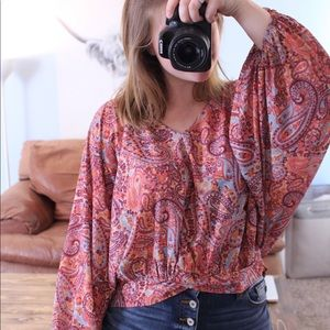 Bright patterned top with big sleeves